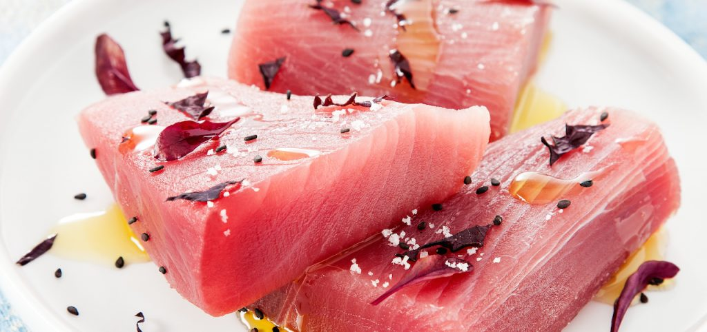 Raw tuna fillet- how to defrost the tuna